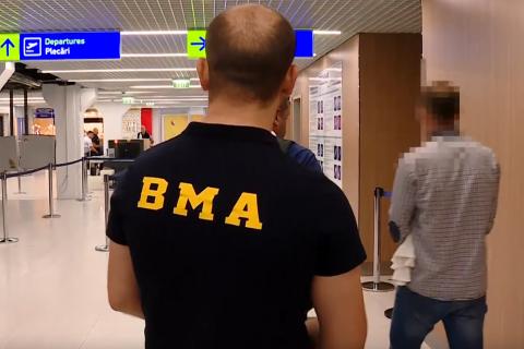 Moldoveni reîntorși acasă